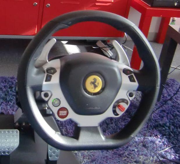 volant ferrari vibration gt cockpit 458 italia edition impressions geekeries back to the. Black Bedroom Furniture Sets. Home Design Ideas