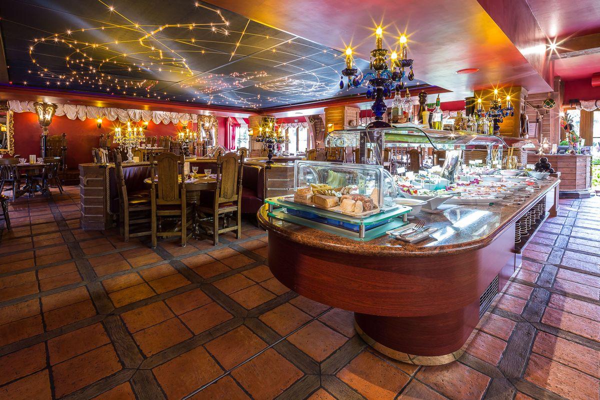 Buffet Restaurant Hotel Des Pirates