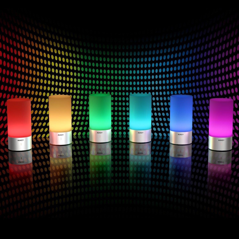 lampe de chevet led de chez aukey notre test en couleurs gadgets back to the geek. Black Bedroom Furniture Sets. Home Design Ideas