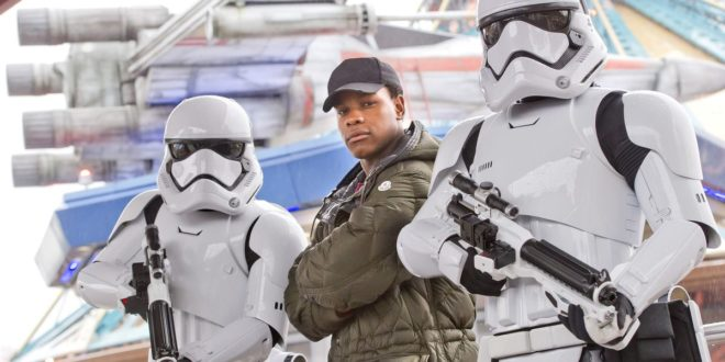 disneyland-paris-les-legendes-de-la-force-star-wars-finn-jhon-boyega-1