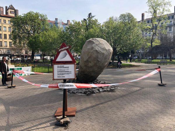 Menhir-signalétique-parc-asterix-attention-menhir-obelix-concours-2