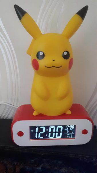 reveil-alarme-lampe-pikachu-pokemon-teknofun-madcow-1