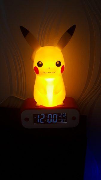 reveil-alarme-lampe-pikachu-pokemon-teknofun-madcow-2